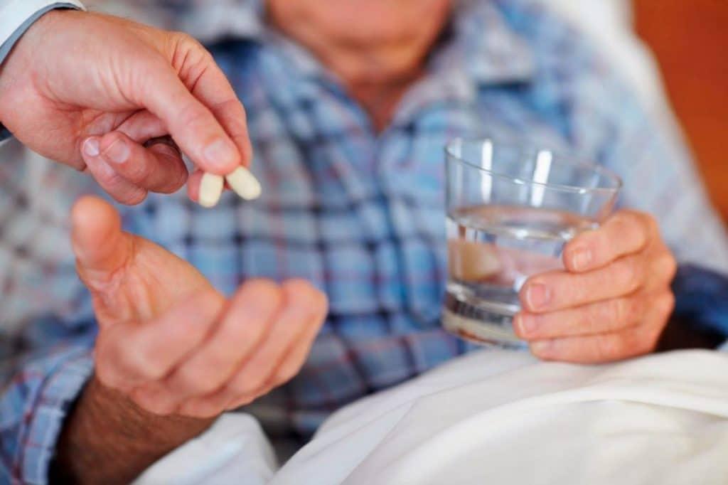 87 - Obat-obatan dan kombinasi obat untuk tekanan darah tinggi untuk orang tua