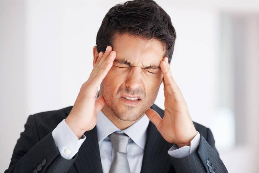 Болит голова при давлении 130 на 100