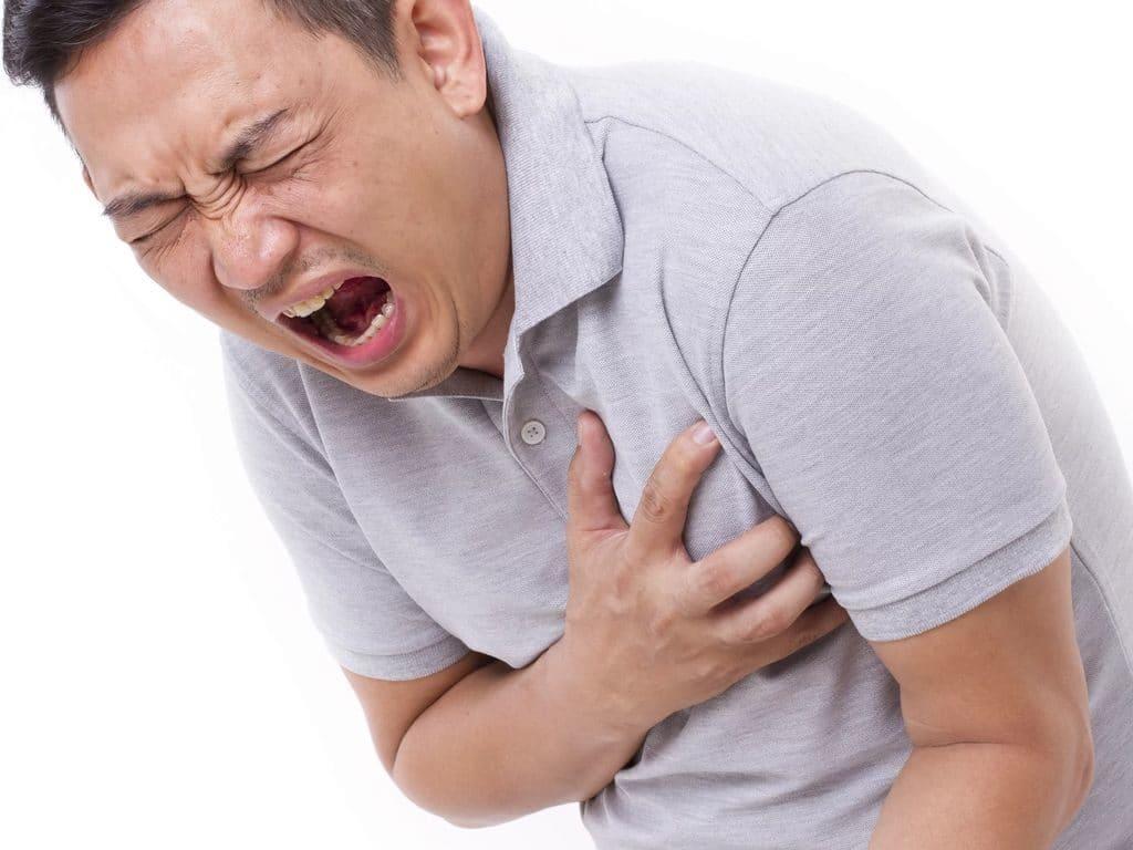 Сердечный приступ при высоком давлении у мужчин