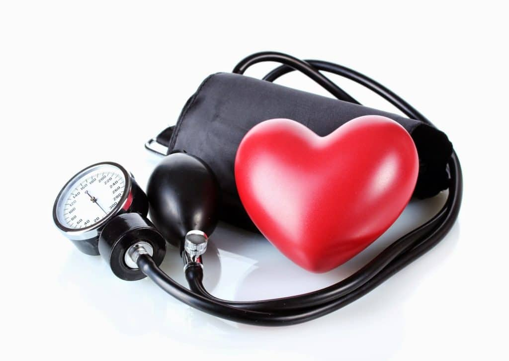 Давление 140 на 60 (50): чем опасно и как лечить?