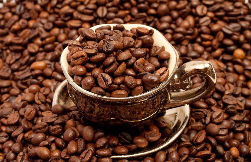Кофе повышает или понижает давление (артериальное), как влияет на человека