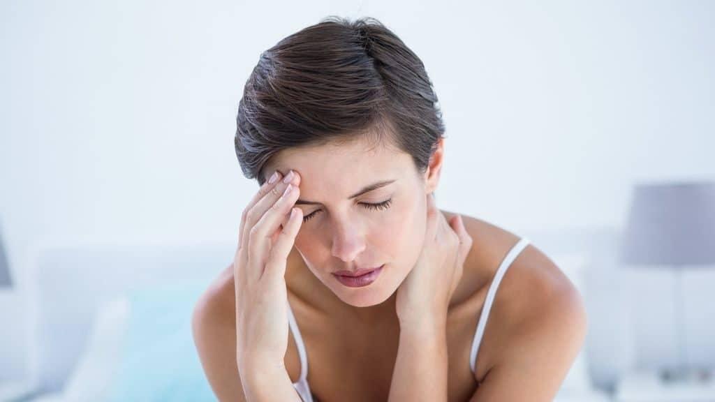 Болит голова при давлении 200