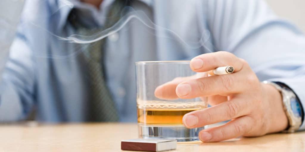 Алкоголь и курение при давлении