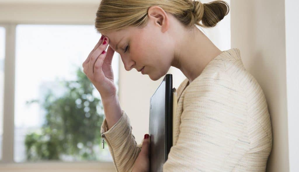Болит голова при давлении 120 на 100