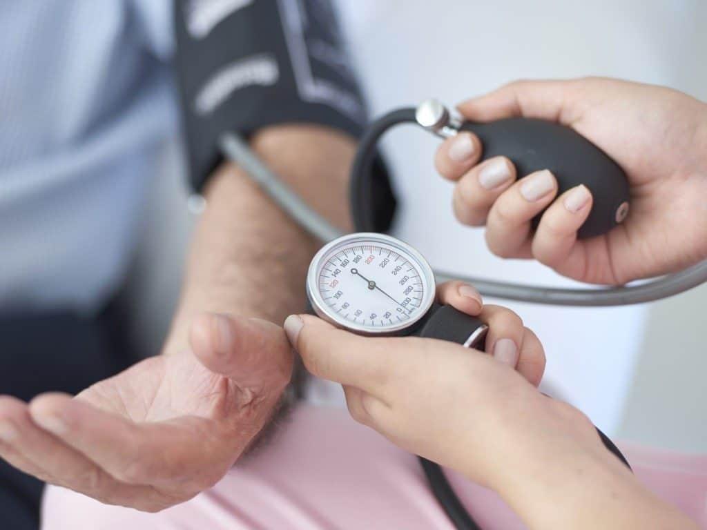 Низкое нижнее давление: причины снижения диастолического показателя и методы лечения
