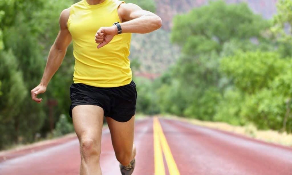 Измерение пульса и давления с фитнес-браслетом