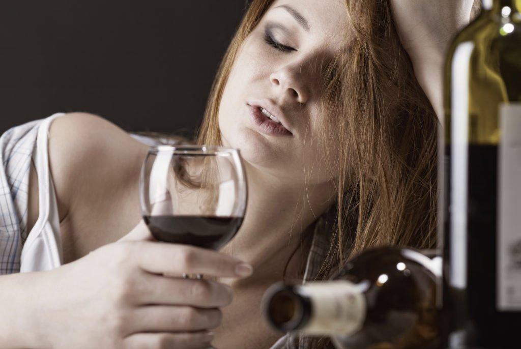Противопоказания алкоголя и Ксарелто