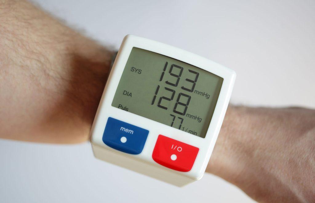 Скачки давления при ВСД: как нормализовать повышенные и пониженные показатели