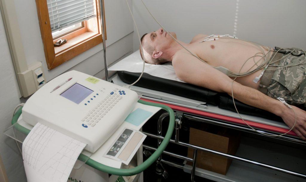 Врач кардиолог при ВСД